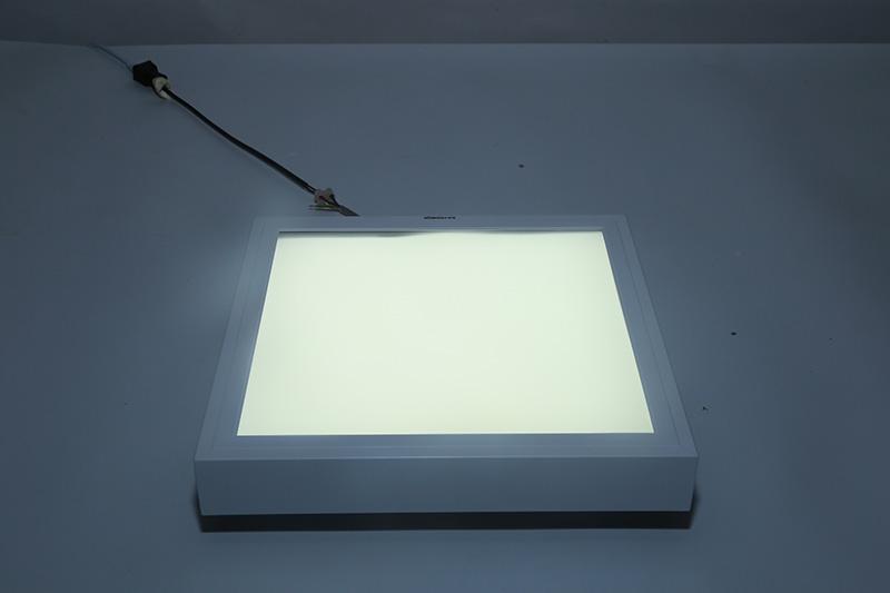 新晶莹系列透镜款平板灯300300